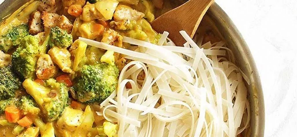 Chicken mango curry with rice noodles
